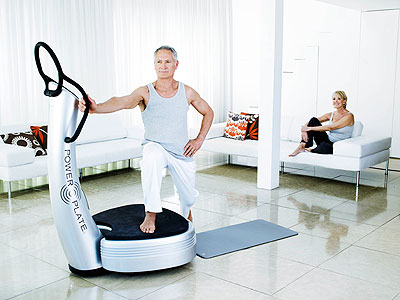 old-man-using-power-plate-system